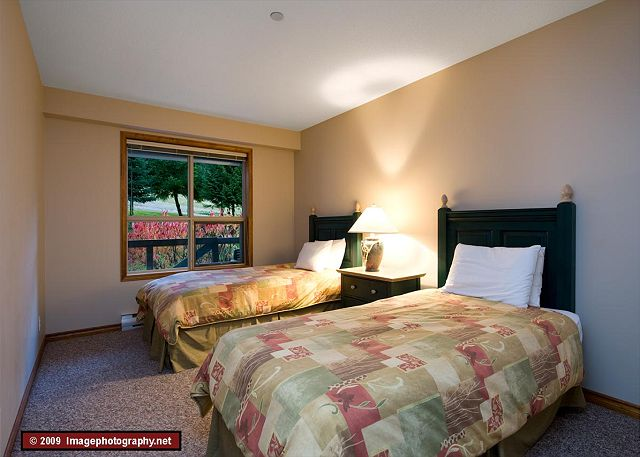 Whistler Aspens on Blackcomb Accommodation 252 Bedroom