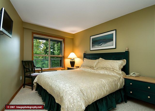 Whistler Aspens on Blackcomb Accommodation 328 Bedroom