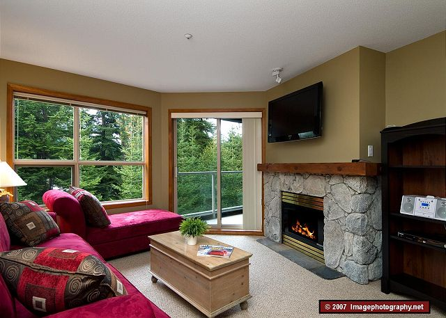 Whistler Aspens on Blackcomb Accommodation 328 Living Room