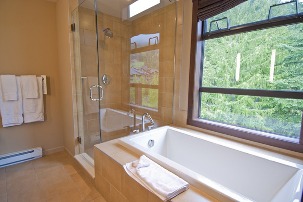 Evolution - Whistler Creekside Ski In Ski Out - Bathroom