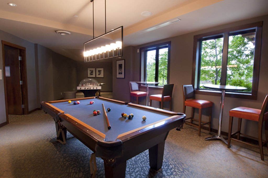 Evolution - Whistler Creekside Ski In Ski Out - Games Room
