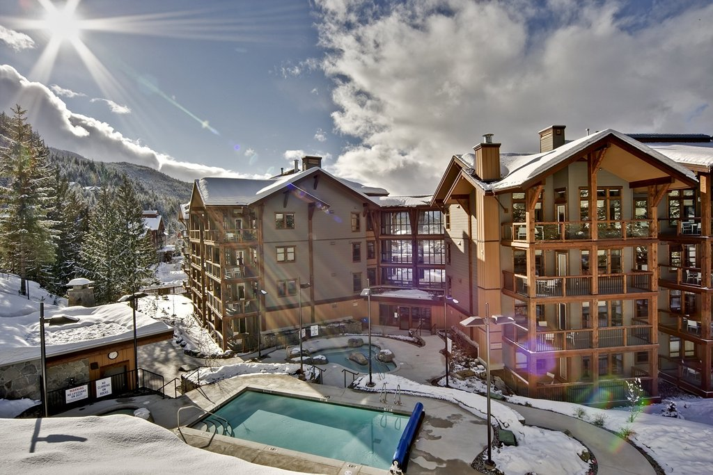 Evolution - Whistler Creekside Ski In Ski Out - Pool Winter