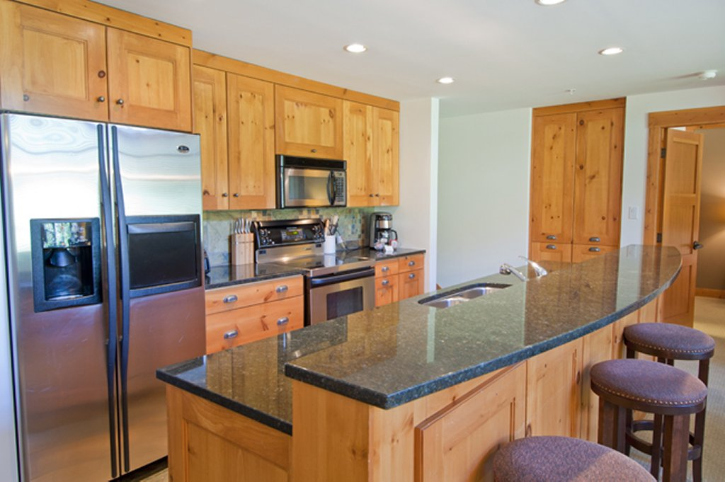 Whistler Luxury Ski In Ski Out Hotel - First Tracks 3 Bedroom Kitchen