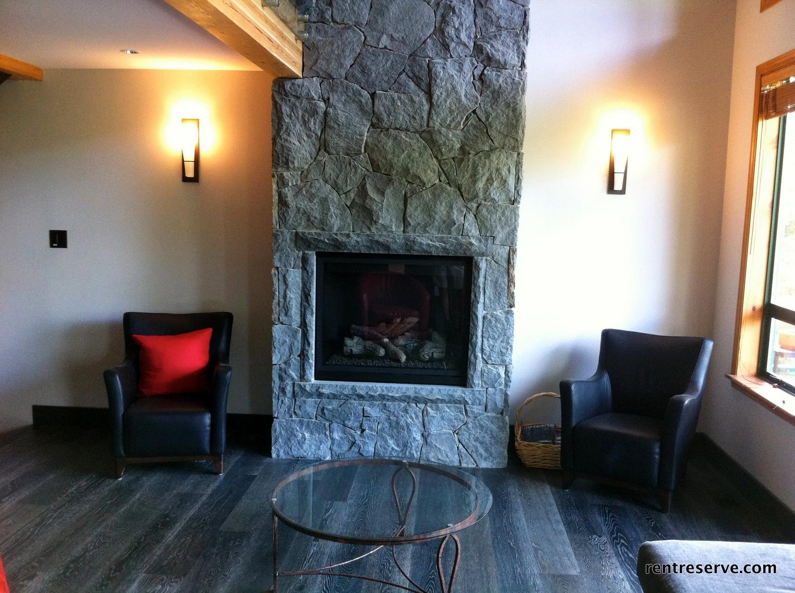 Whistler Luxury Accommodation Northern Lights 3 Fireplace