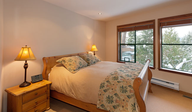 Whistler Luxury Accommodation - Northern Lights 16 Bedroom