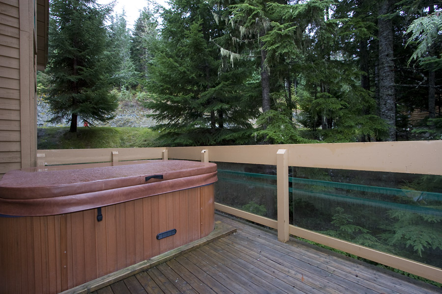 Whistler Northern Lights Hot Tub