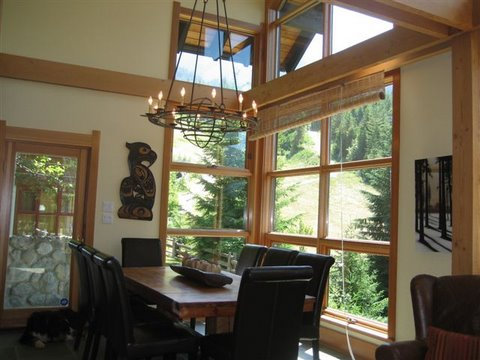 Whistler Ski In Ski Out Rental Home - Dining