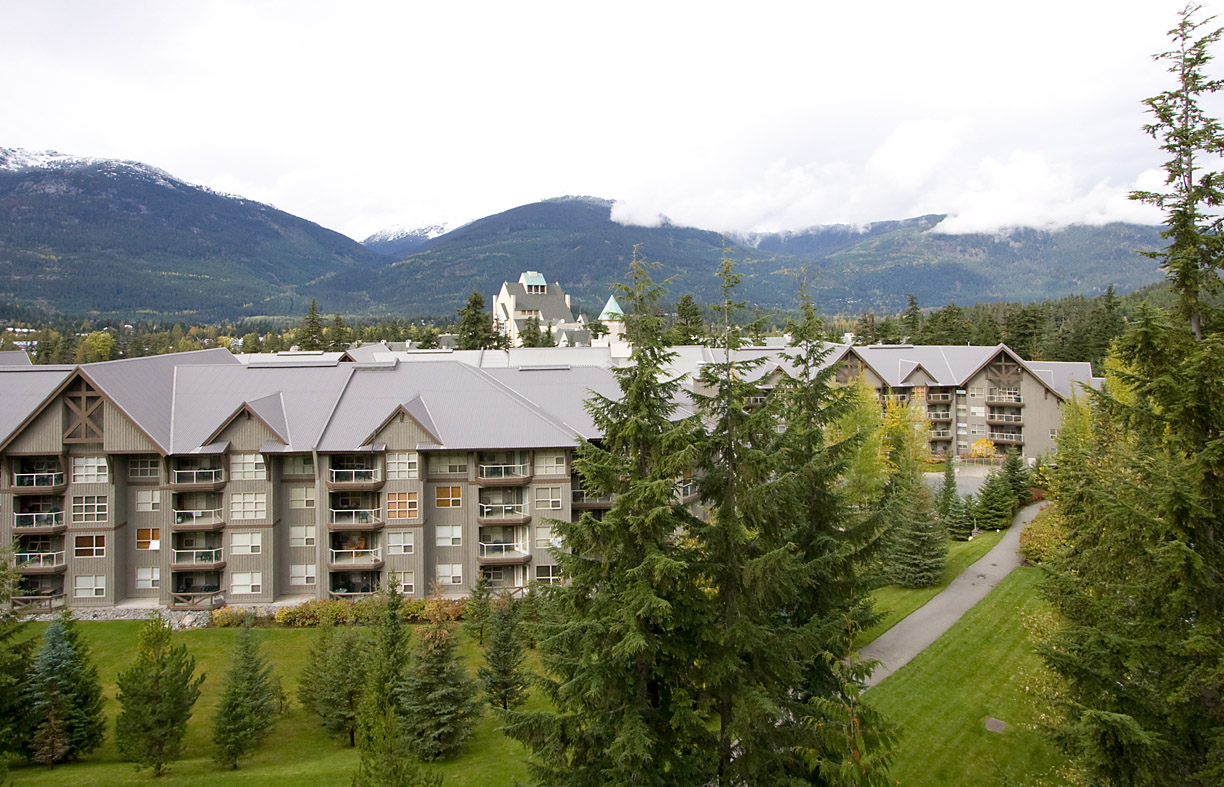 Woodrun Lodge Whistler View