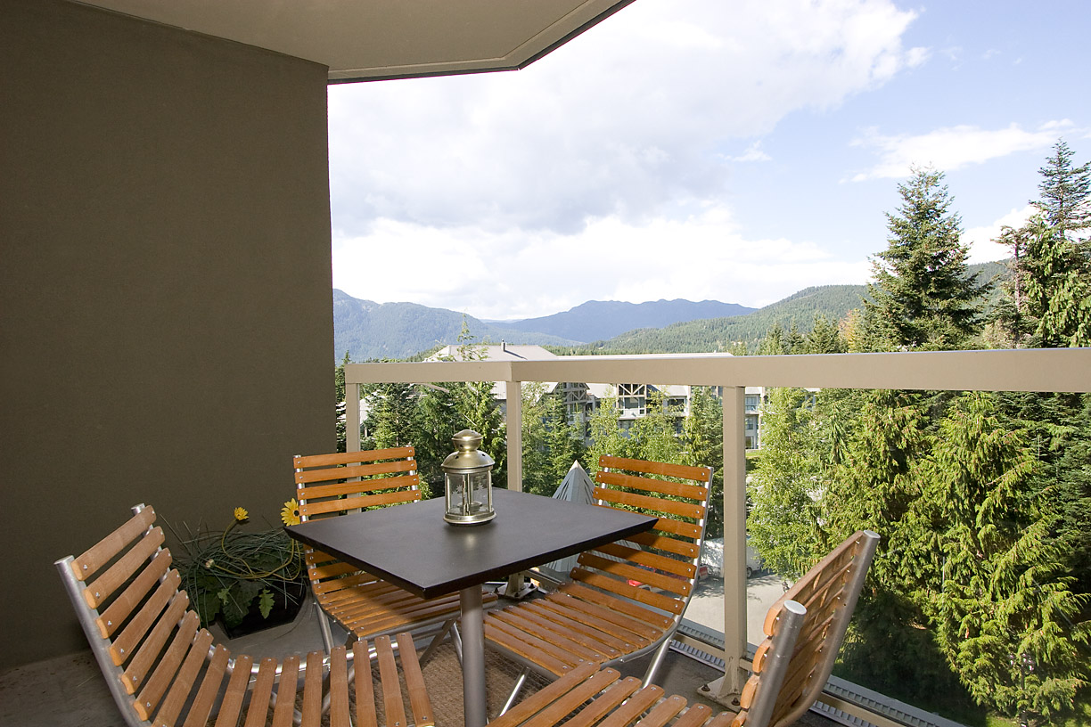 Woodrun Lodge Whistler 511 Deck