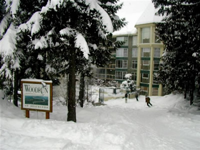 Woodrun Lodge Whistler Ski In Access