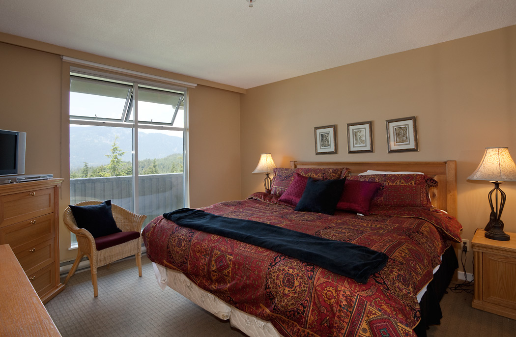Woodrun Lodge Whistler 603 Bedroom