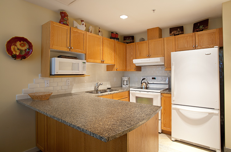 Woodrun Whistler 612 - Kitchen