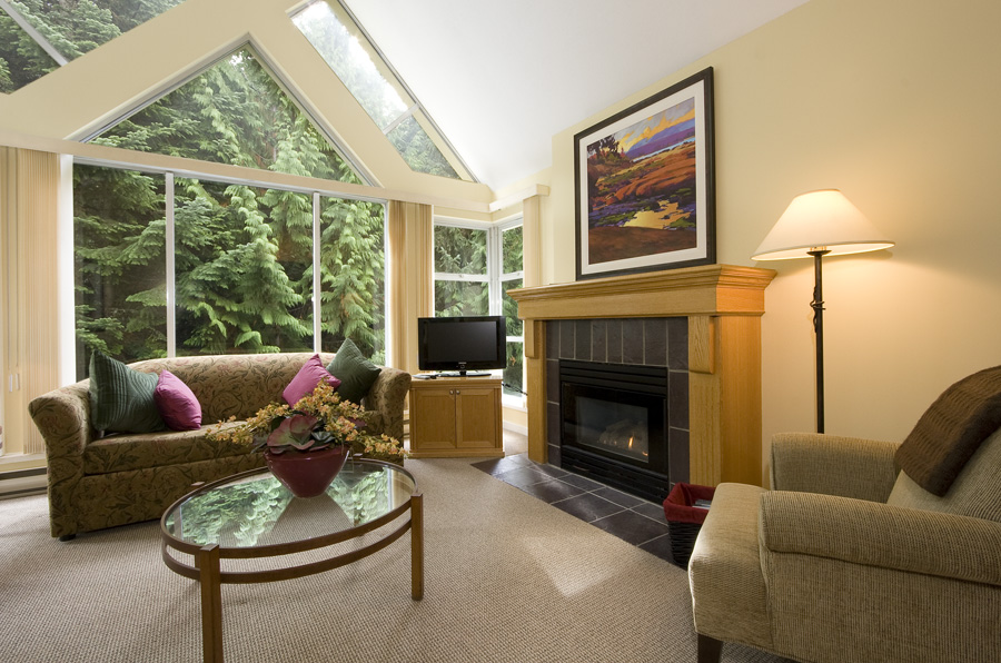Woodrun Whistler 612 - Living Room